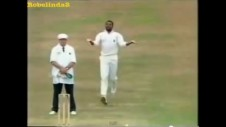 Funny Cricket - Bowler forgets the ball