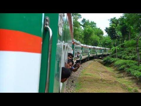 🚂 Train Journey 🇧🇩 Bangladesh | Travel with Luxury Parabat Express 710 | Sylhet to Kulaura VLOG