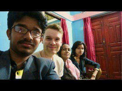 EATING FOOD IN A BANGLADESHI HOME 🇧🇩